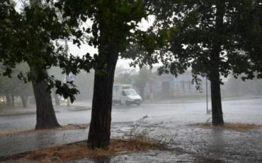6 серпня в Миколаїві після сильної спеки почалася злива