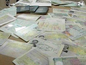 Шенгенську візу видаватимуть лише власникам біометричного паспорта