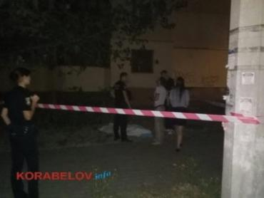 Суіцид в Миколаєві: дівчинка викинулась з вікна