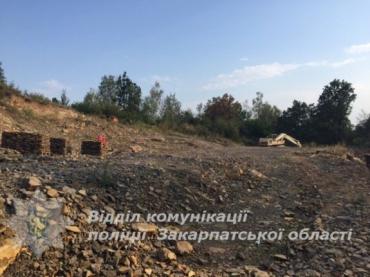 Возле Ужгорода правоохранители обнаружили подпольный карьер