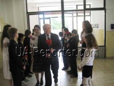 Молоде покоління в Ужгороді пам'ятає та поважає ветеранів