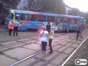 В столице трамвай сошел с рельсов