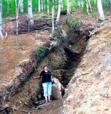 Жители Косовской Поляны не хотят, чтобы у них искали радиоктивные металлы
