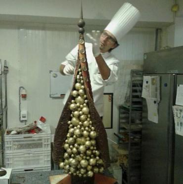 Известный ужгородский шоколатье создал новогодний шедевр