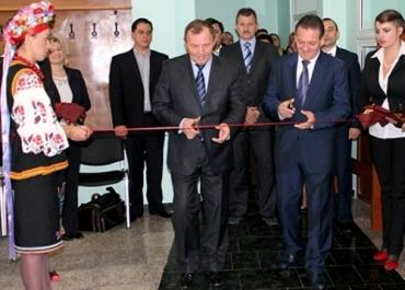В Ужгороде под музыку открыли центр предоставления услуг