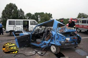 На Тернопольщине столкнулись Renault и ВАЗ, 4 пострадавших