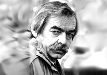 Засновником Премії імені Петра Скунця є Ужгородська міська рада.