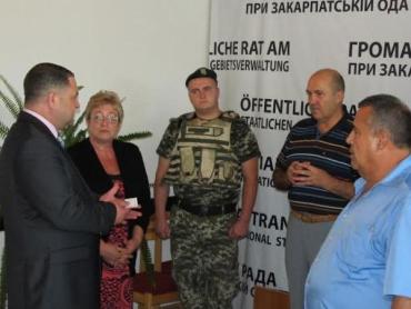 В Закарпатье «Зеленым беретам» передали бронежилеты нового поколения