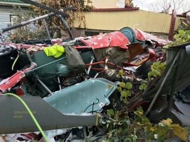 В России вертолет упал на дом, есть погибший