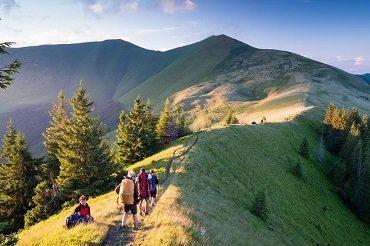 Чехи маркируют туристические тропы в Закарпатье