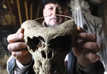 Археологи нашли нацистский сундук, вероятно с костями инопланетян