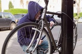 Ужгородець викрав чужий велосипед з-під магази