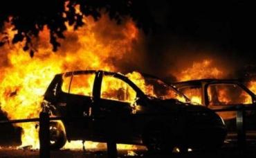 У Мукачеві горіли два автомобіля