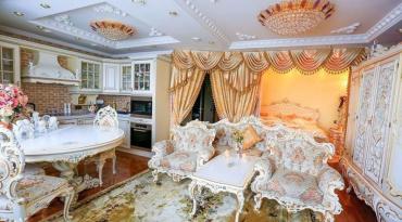 Аеліта зробила зі своєї квартири палац!