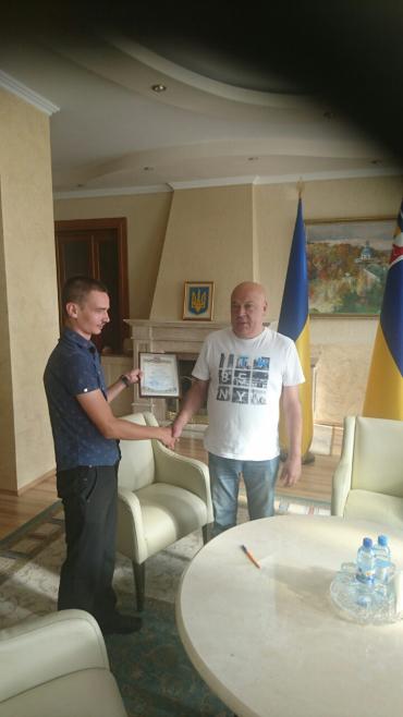Спортсмени-інваліди нагородили Геннадія Москаля почесною грамотою