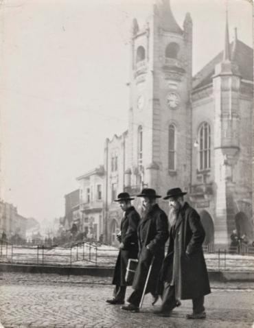 Євреї стали селитися в Мукачеві в середині 17 століття