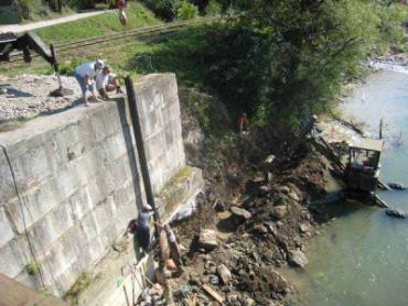 Автоматический гидрологический пост на реке Тиса