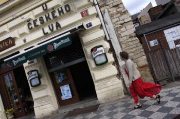 В Праге пытались взорвать кого-то с посетителей ресторана