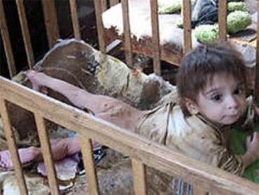 В Харькове горе-мать морила Камила голодом
