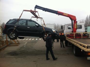 С января 2015 года в Мукачево «оленей» будет забирать эвакуатор
