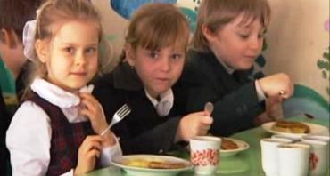Прокуратура отстаивает права детей на полноценное питание