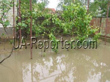В Закарпатье уже шесть суток продолжается наводнение