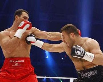 Владимир Кличко отстоял чемпионские звания IBF/WBO/IBO