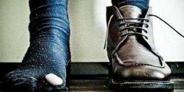 Украинцы не имееют денег ни на носки, ни на обувь - нищета