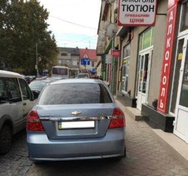 Почему с мажорами или оленями без тормозов должны воевать в Мукачево пешеходы?