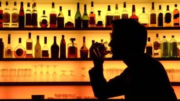 Вчені розповіли, кому алкоголь шкодить найбільше