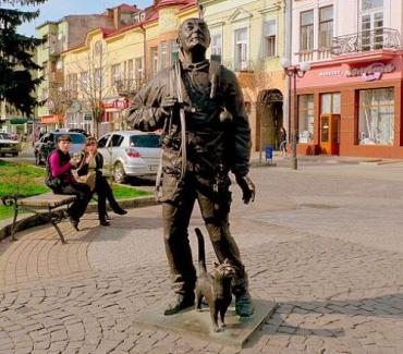 Скульптура трубочиста в Мукачево - в ТОП-10 лучших скульптур