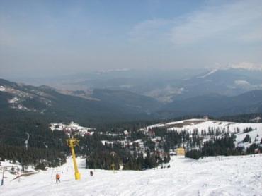 В Карпатах выпало много снега, - курорты переполнены туристами