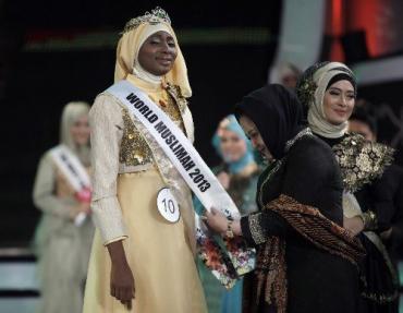 Конкурс красоты в Джакарте выиграла Обабийи Айша Аджибола
