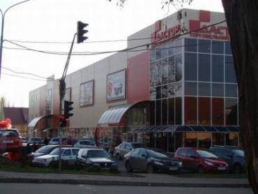 Предновогодний бум в ужгородском Дасторе заметит даже слепой