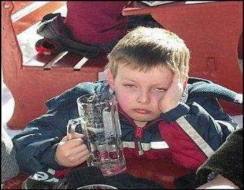 Подросток в Закарпатье если утром не выпил и в школу не пошел, так и день пропал