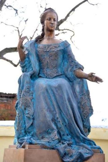 Изящный памятник Марии Терезии открылся в Ужгороде