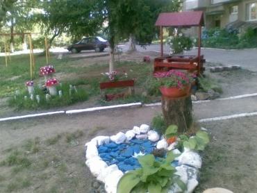 В Ужгороде на ул. Минайская появилась новая детская площадка