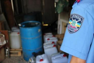 Налоговики ликвидировали подпольное производство коньяка в Ужгороде