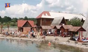 Соленые озера Солотвино всегда привлекали туристов