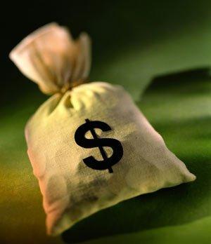 В металлической банке из-под кофе находились 10 000 долларов?