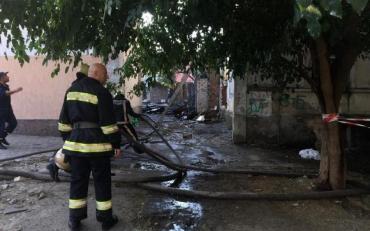 У Херсоні вогонь убив матір із трьома дітьми