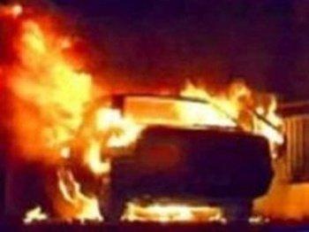 В Воловецком районе подожгли автомобиль ВАЗ-2107 во дворе лесника