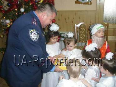 Начальник ДАІ Закарпаття М.Бойчук відвідав дитячий будинок