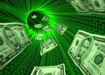 В инете появился черный рынок по продаже валюты, чем и пользуется народ