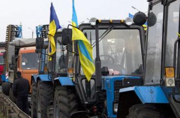 Аграрии в знак протеста перекрывают дороги по всей Украине