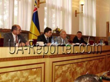 На сесії Закарпатської обласної Ради вирішили всі глобальні питання