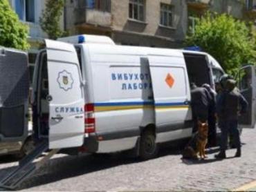 Из Ужгородского суда было эвакуировано всех из-за звонка о минировании