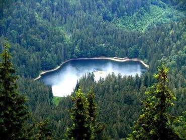 Озеро Синевир в Закарпатье - настоящая жемчужина Карпат