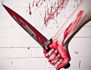 В Закарпатье ревнивец схватил нож и ударил им свою женщину