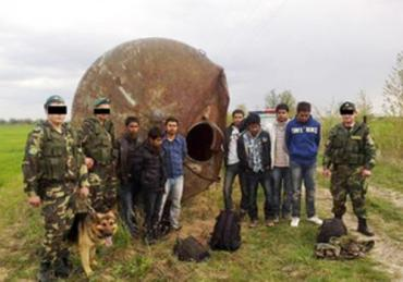 Переправку нелегалов из Шри-Ланки организовали 2 закарпатца